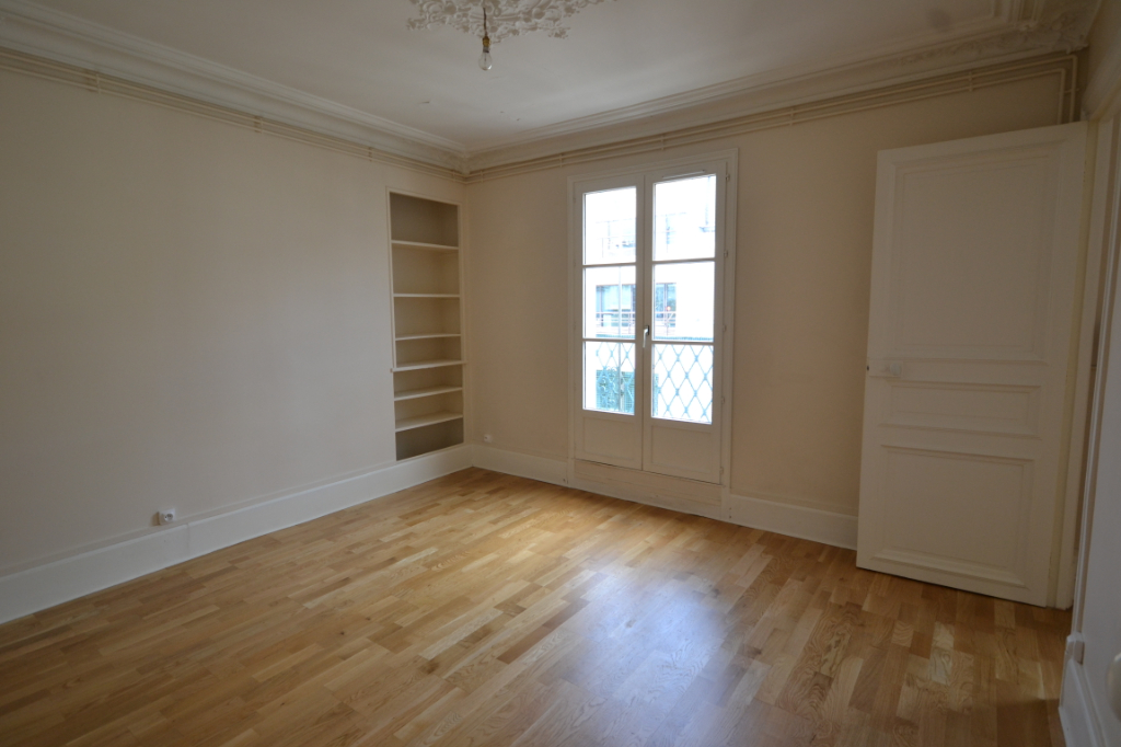 Appartement à louer à PARIS